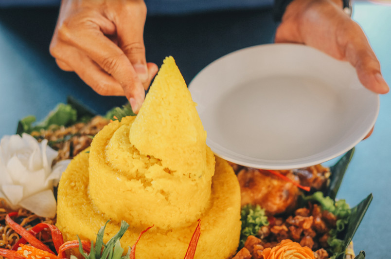 081285706910 Pesan tumpeng nasi kuning di daerah DeltaMas
